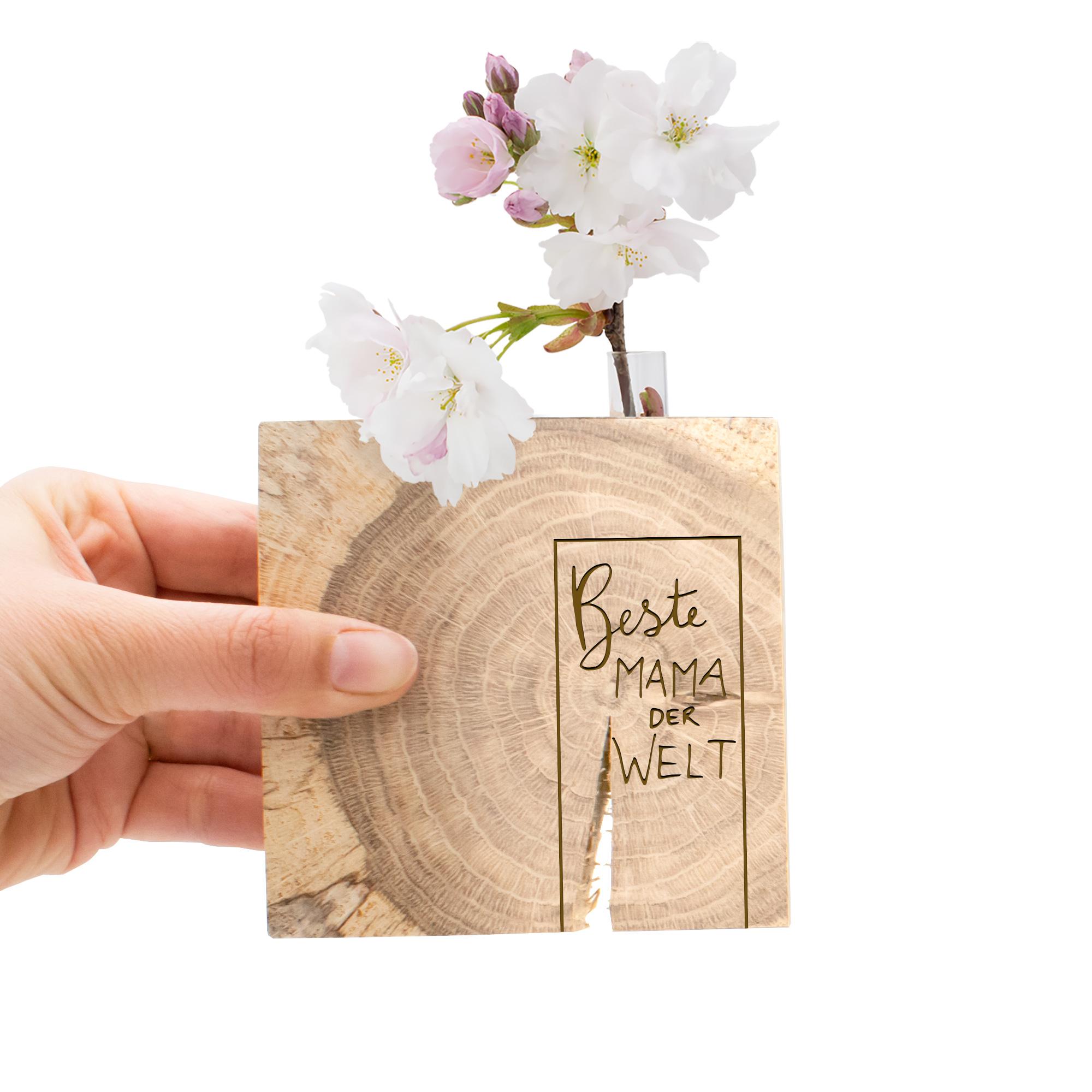 Schöne Holzdeko mit kleiner Vase zum Muttertag für die beste Mama der Welt
