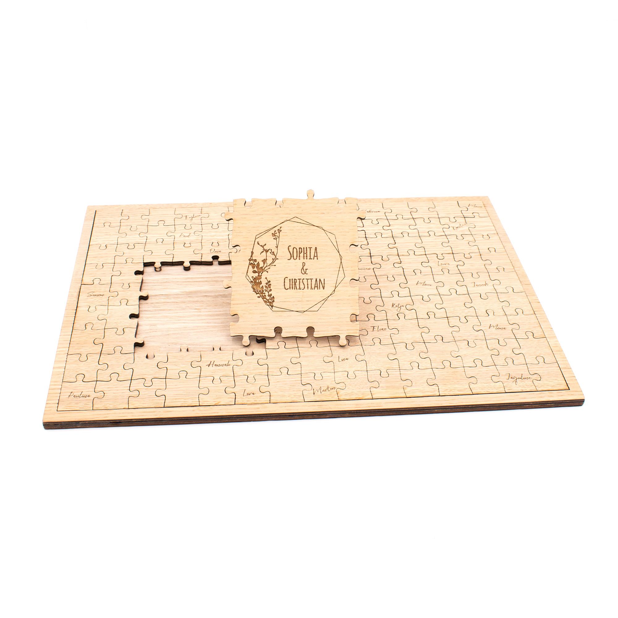 Modernes Gästebuch Puzzle zur Hochzeit im Boho-Stil zum Beschriften mit Namen des Brautpaares graviert